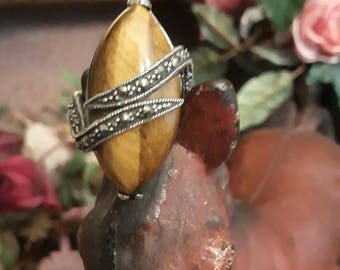 Sterling silver tigerseye marquisite ring size 7-7 1/2