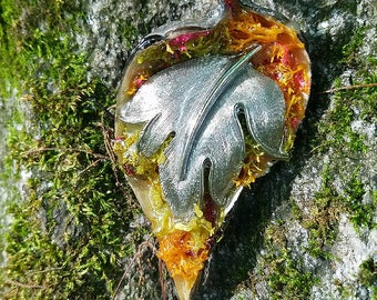 Silver Leaf Pod Pendant