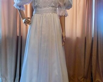 Gunne Sax Jessica McClintock Wedding Gown 1970s Boho Bridal Gown High Neck Full Length White Gown