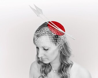 Small Red fascinator, with white feathers and veiling