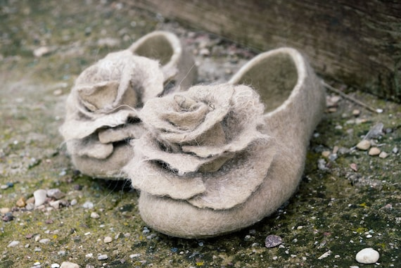 shower alpaca Bachelorette Bride Beige Felted idea Bridesmaid brooches bridal Bridal wool slippers slippers with for women rose slippers v5wq1a5