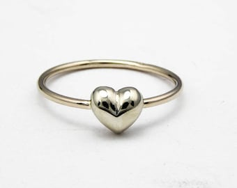 Heart gold ring-14k solid white gold-Stacking ring-Women jewelry-Women ring.