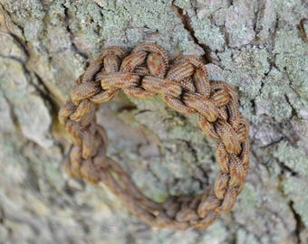 Paracord Bracelet in Congo Forest Brown.