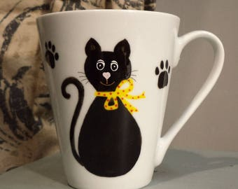 Cat pattern and tapered mug