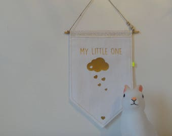 """My little one"" wall flag, and her glitter - a nice gift to make"