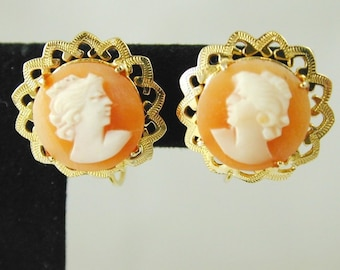 Cameo Earrings Vintage 9CT Gold Screw Back Studs Dated 1962 3.8 Grams