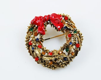 Vintage Signed Art Christmas Wreath Brooch
