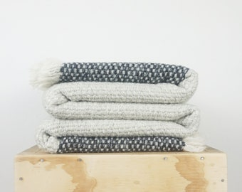 Cream Throw afghan with Gray Striped in woven Boucle wool