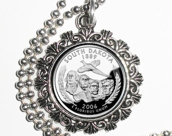 South Dakota Art Pendant, USA Quarter Dollar Image, Round Photo Silver and Resin Charm Necklace