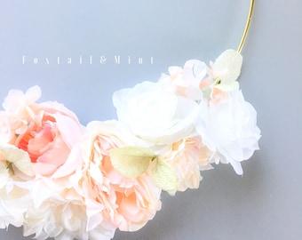 Modern Hoop Wreath // Modern Wedding Decor // Nursery Decor // Floral Wall Decor // Modern Wreath // Felt Floral Decor // Boho Chic