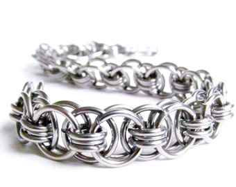 Chainmaille Bracelet - Helms Weave Pattern - Stainless Steel Chain