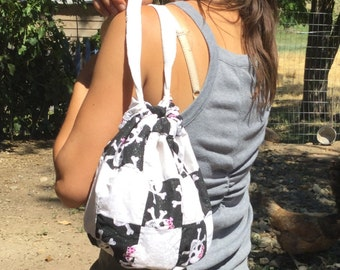 SALE!!!!    Girls small skull with glitter print patchwork bag