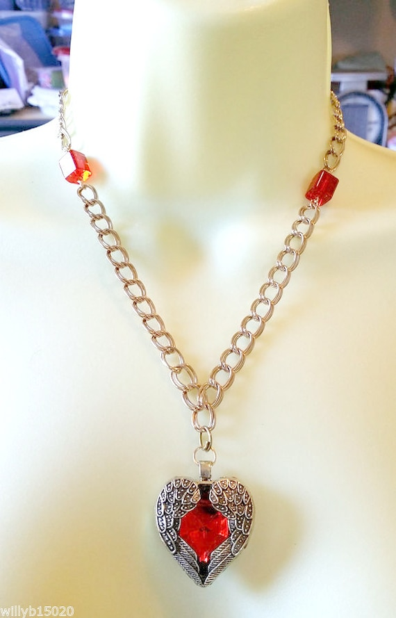 red heart Angel wings necklace heart pendant gold chain love romance glass bead gold jewelry
