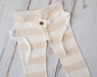 RTS..Cream Stripe Newborn Baby Girl Photo Pant and Headband Set.  Set includes pant and Daisy headband.