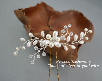 Bridal hair pin, Wedding hair piece, Cream white pearls, Wedding hair pin, Unique hair pin, Silver or gold wire, Crystal hair pin, Hair do