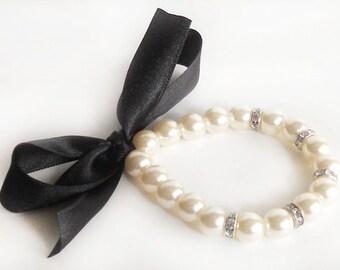 Black flower girl pearl bracelet, flower girl pearl bracelet, junior bridesmaid bracelet, pearl bracelet, wedding gift, wedding jewelry