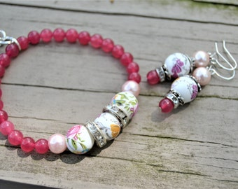RASPBERRY QUARTZ Ceramic Roses Beaded Stretch Bracelet Tassel and Pearl Charm Matching Earrings