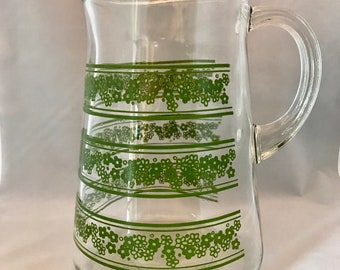 Vintage Corelle Crazy Daisy Glass Pitcher With Lip Water Juice Carafe Pyrex Spring Blossom Green Avocado 2 Quart QT