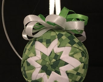 """Minecraft 3"""" Ornament-green and white"""