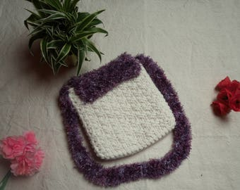 Wool shoulder bag white and purple