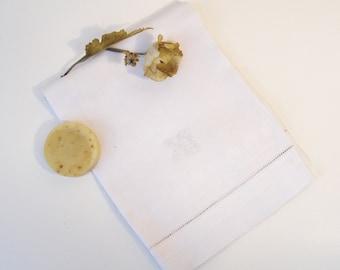 Vintage Linen Damask Towel, White on White Palmette Acanthus Leaf and Chain Design Towel, Monogrammed Vintage Towel