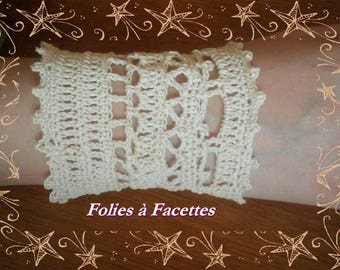 Ecru cotton crochet Cuff Bracelet