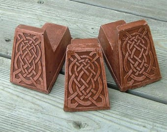Celtic Knot Pot Feet (Red) set of three