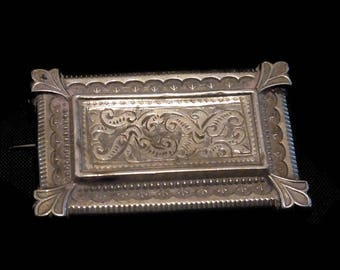 Antique English Sterling Silver Edwardian  Mourning brooch with compartment circa 1900s For Re-purposing or Repair