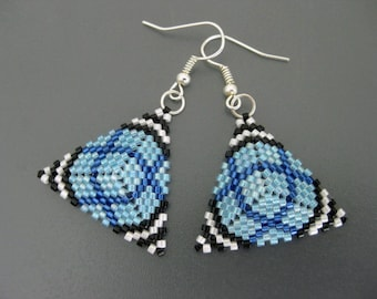 Peyote Tirangle Earrings / Peyote Earrings / Beaded Earrings in Blue, Black and White /  Sterling Silver Earrings / Seed Bead Earrings /
