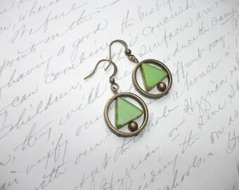 Triangle pendant geometric earrings in circle frame
