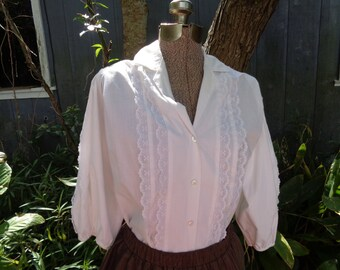 50s 60s CareFree Fashions Scottsdale Arizona Made in USA White Blouse size Large Made in USA