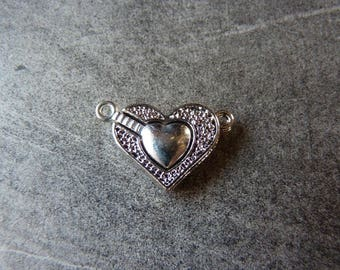 Engraved silver metal magnetic heart clasp