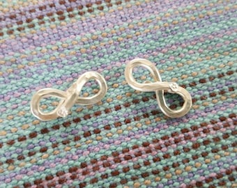 Fine silver Infinity clasp, excellent for Legacy metal Mama metal combinations. Made to order