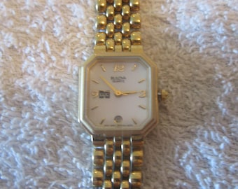 WOW  vintage women quartz BULOVA suiss watch.....