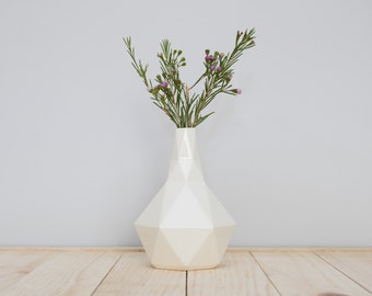 Geometric ceramic Bud vase in White