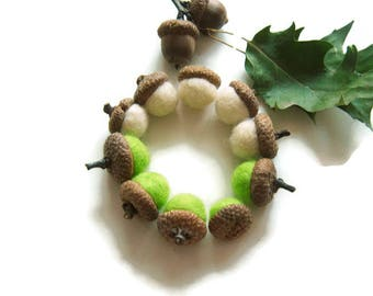 8 Felt Acorns, Felt Ball Acorn Ornaments, Felted Acorns, Woodland Pom Pom Ornaments, Fall Decor, Thanksgiving Decor