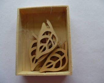 1 box of 10 sheets of wood cut for decorative embellishment