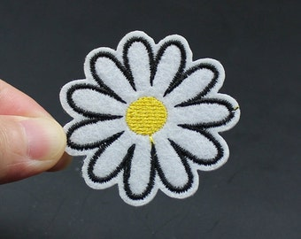 Daisy Flower Iron On Patch Embroidered patch 4.8x4.8cm - PH283