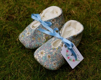 Flower Baby shoes - Several Sizes