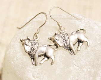 Taurus Earrings made of Sterling Silver, April May Astrology Jewelry, Zodiac Signs Earrings