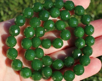 2 beads Emerald round faceted 10 MM A7 *.