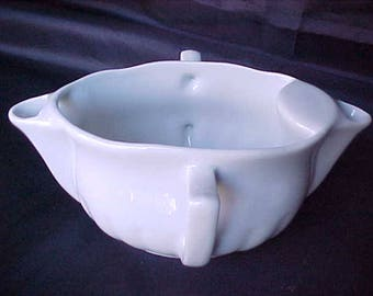 Vintage Gravy Separator by Pillivuyt From France in Culinaire White, French Country Farmhouse Tableware Gravy Boat