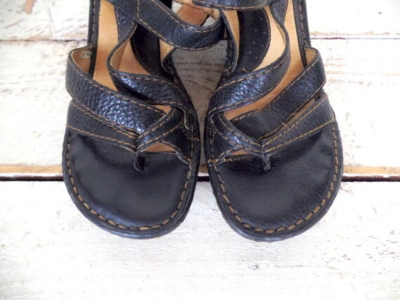 strappy boho leather Black sandals Born toe wedge 9 hippie sandals open qx4nBO6