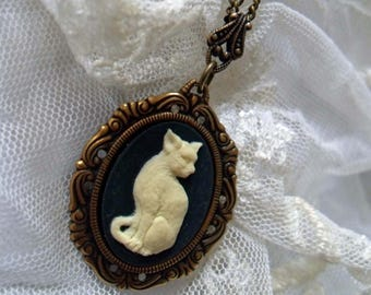 Women gothic jewelry. Filigree cat cameo necklace. Kitty pendant. Cameo jewelry. Cat jewellery. Black necklace. Cat lover gift. Cat jewelry.