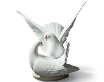 Love Nest Doves Figurine by Lladro #6291 Beautiful