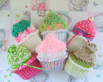 CUPCAKE BROOCHES pdf knitting pattern