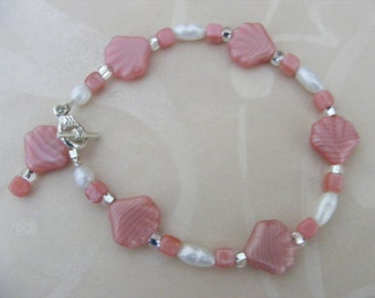 Pink\/Coral Glass Shell and Pearl Bracelet