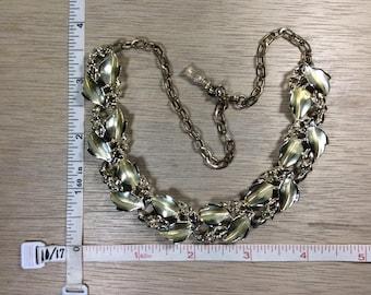 """Vintage 17"""" Gold Toned Necklace Leaf Design Used"""