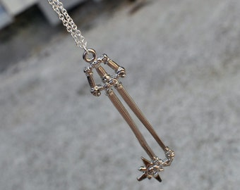 Heros Crest - Kingdom Hearts Keyblade necklace