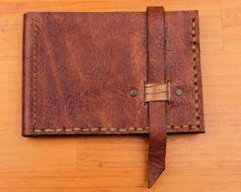 Hand-sewn leather wallet, zipper strip